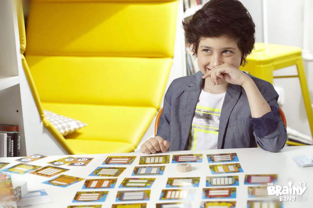 לימוד דרך משחק עם משחקי קופסא לילדים